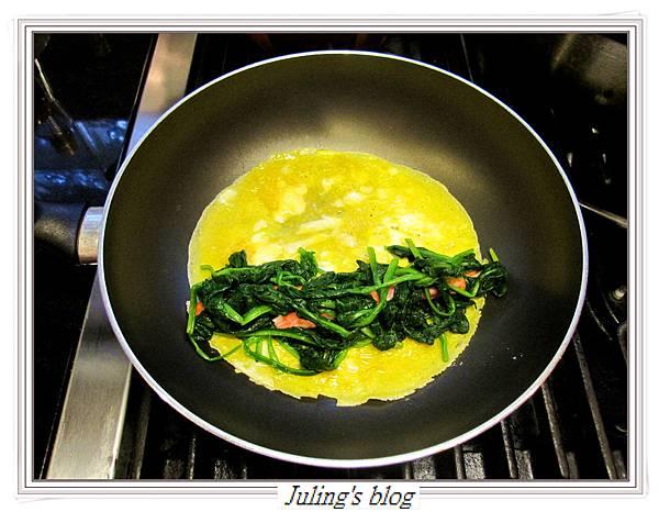 菠菜蛋卷做法5.JPG