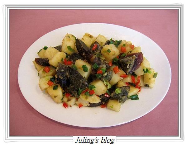 馬鈴薯炒皮蛋1.JPG