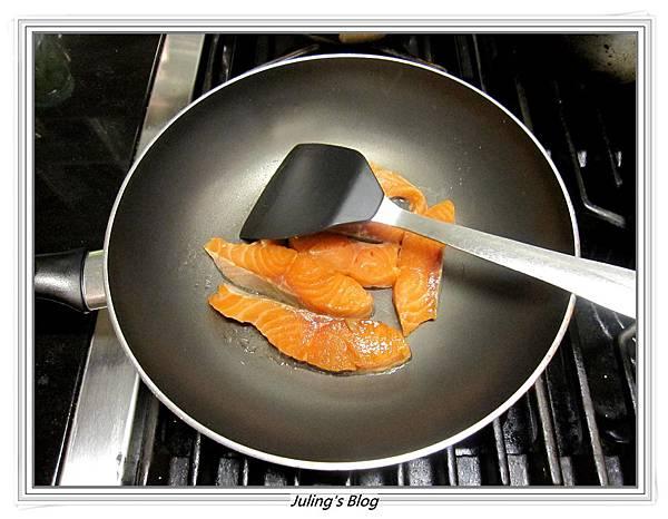 鮭魚煎餅做法2.JPG