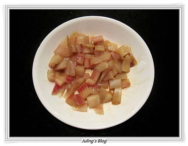 奶香魚丁炒嫩蛋做法2.JPG