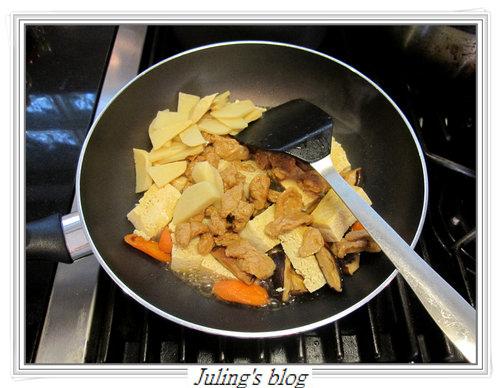 麵筋燒凍豆腐5.jpg