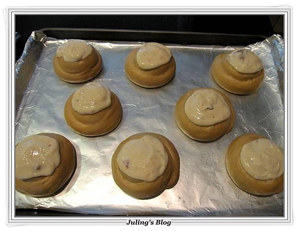 乳酪黑糖麵包做法14.JPG