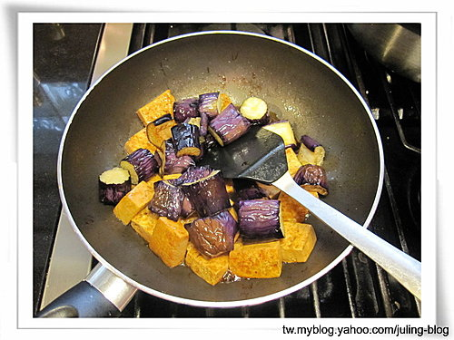 培根茄子豆腐煲10.jpg
