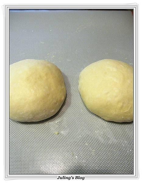 蛋糕預拌粉做甜麵包做法5.JPG