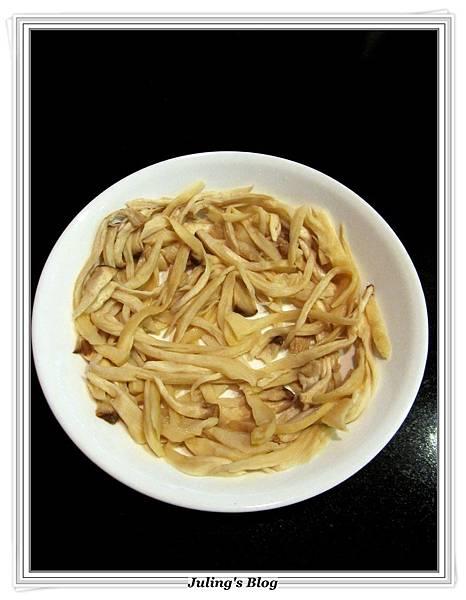 杏鮑菇素肉乾做法3.JPG
