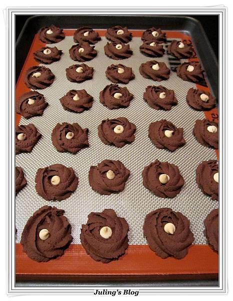 巧克力蛋白奶酥做法7.JPG