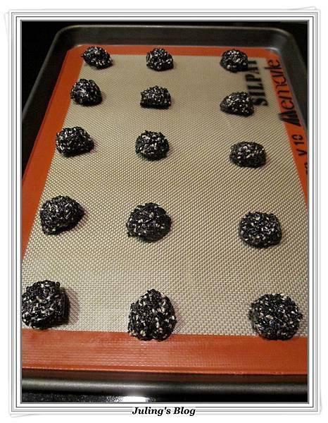 黑芝麻薄酥做法4.JPG