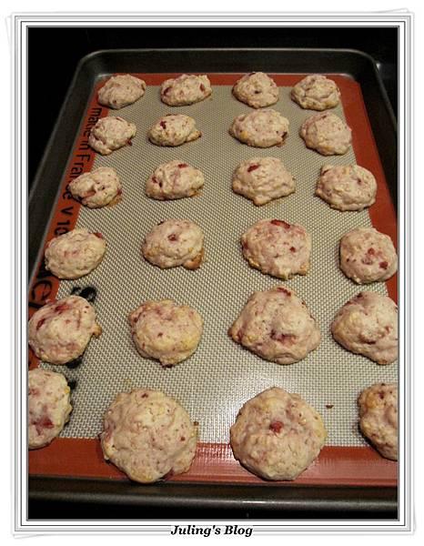 草莓奶油乳酪軟餅做法10.JPG
