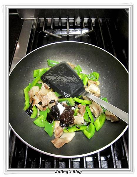 青椒醬爆肉做法7.JPG