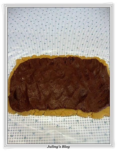花生巧克力雙色酥做法9.JPG