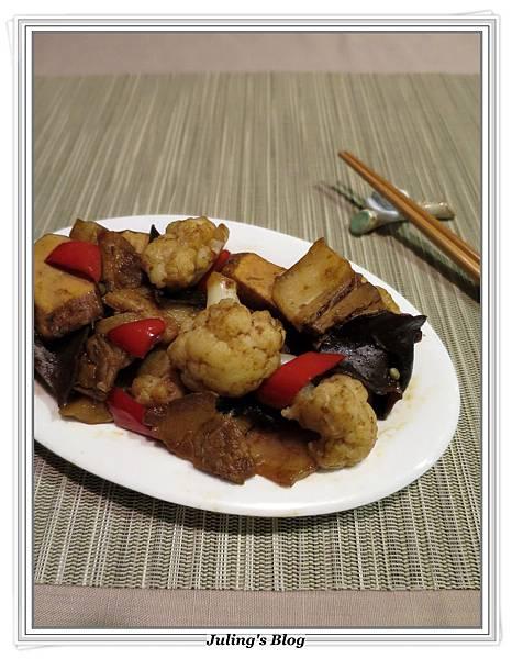 花菜回鍋肉2.JPG