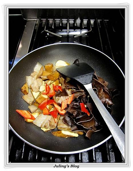 花菜回鍋肉做法7.JPG