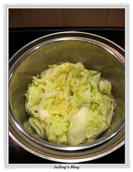 素白菜滷做法1.JPG