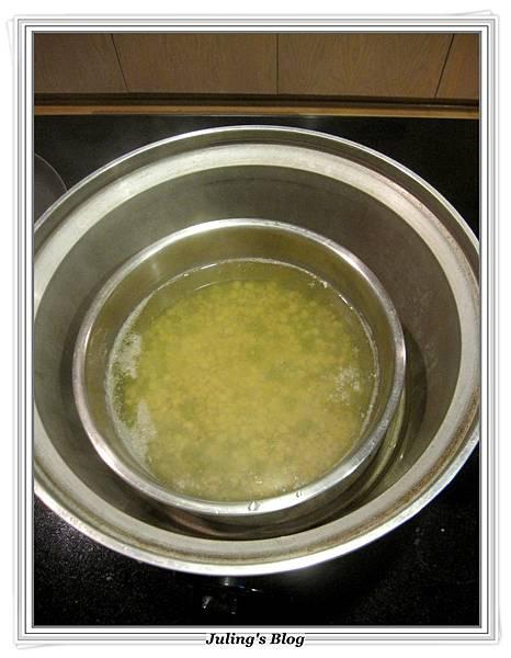 綠豆薏仁雞湯做法4.JPG