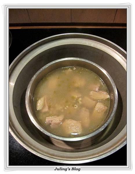 綠豆薏仁雞湯做法8.JPG