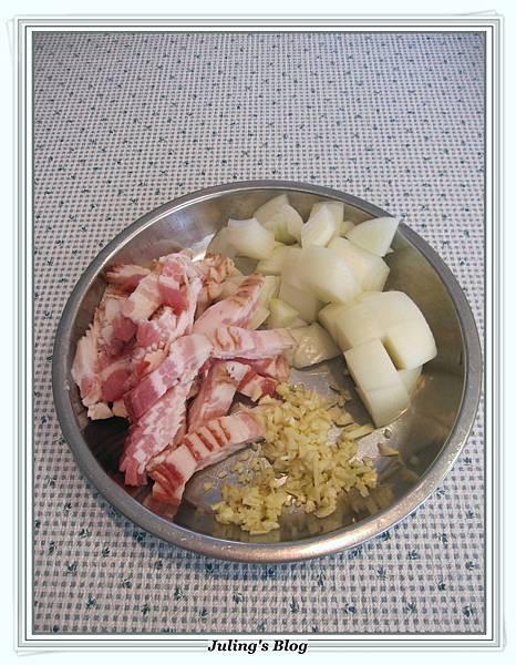 培根洋芋燉飯做法2.JPG