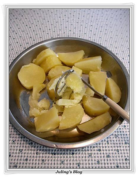 肉醬薯泥做法2.JPG