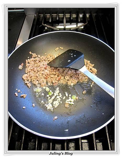 肉醬薯泥做法6.JPG