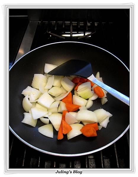 薏仁蔬菜牛肉湯做法5.JPG