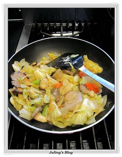 薏仁蔬菜牛肉湯做法9.JPG