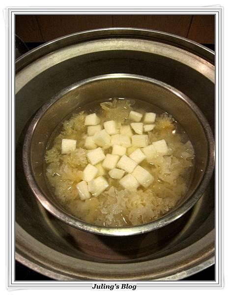 銀耳山藥甜品做法5.JPG