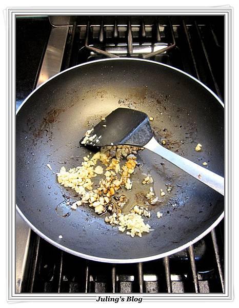 香腸洋芋燉飯做法5.JPG