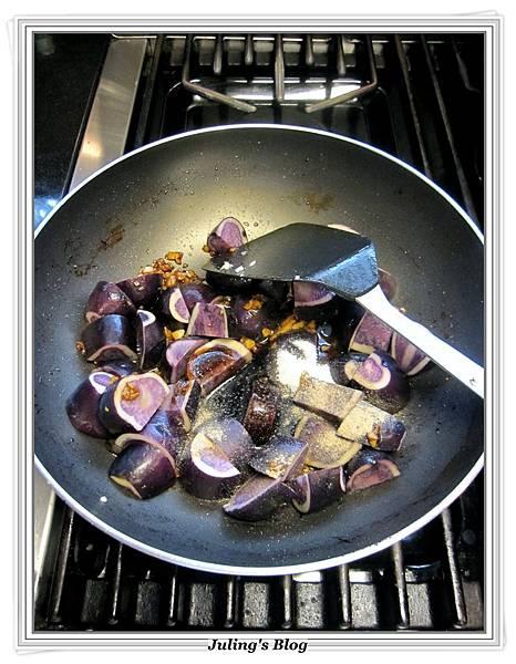 香腸洋芋燉飯做法6.JPG