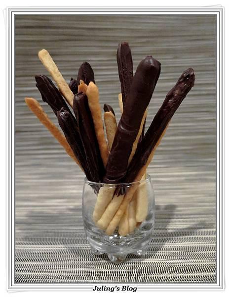 巧克力餅乾棒2.JPG