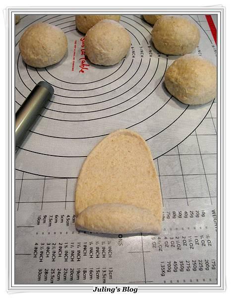 蔥香蒜味麵包做法8.JPG