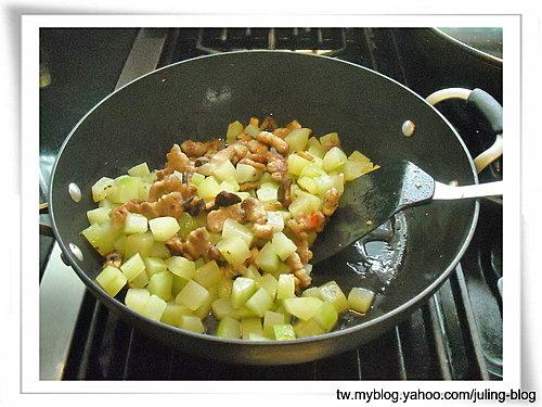香菇黃瓜炒肉丁5.jpg