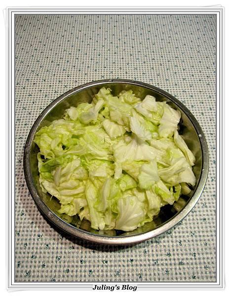 高麗菜燜雞做法3.JPG