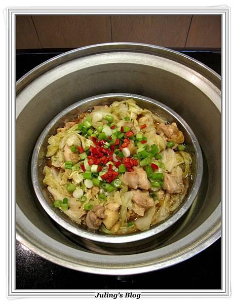 高麗菜燜雞做法7.JPG
