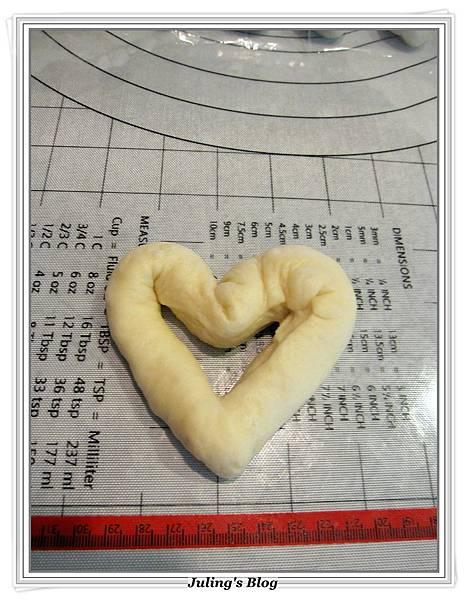 心型肉鬆麵包做法12.JPG
