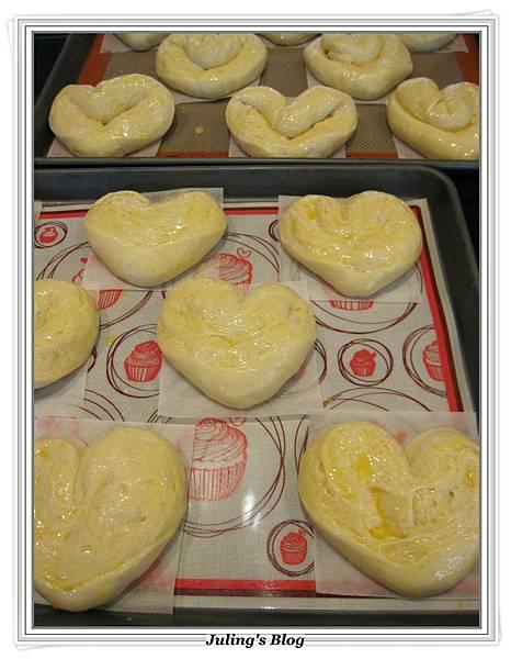 心型肉鬆麵包做法18.JPG