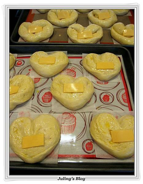 心型肉鬆麵包做法19.JPG