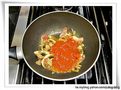 紅醬蛋包麵4.jpg