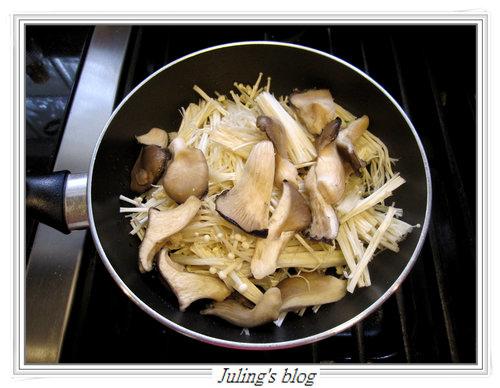 菇醬拌青花椰菜3.jpg