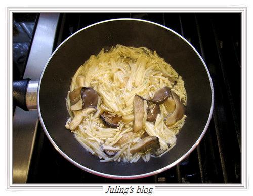 菇醬拌青花椰菜5.jpg