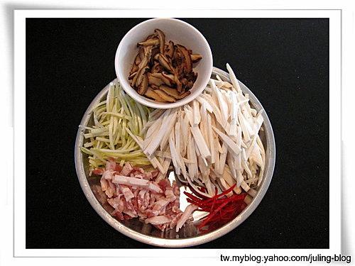 韭黃炒鮑菇絲1.jpg