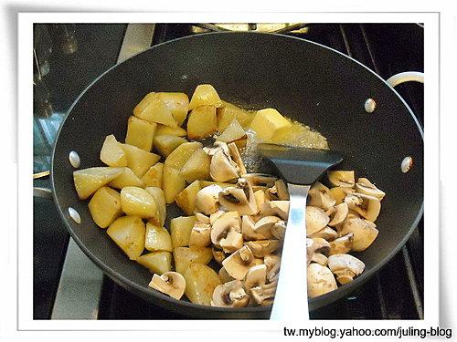 奶油蘑菇洋芋3.jpg