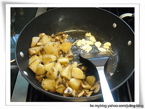 奶油蘑菇洋芋5.jpg