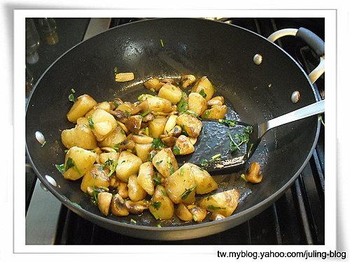 奶油蘑菇洋芋7.jpg