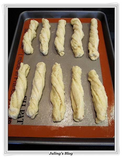 椰子麵包捲做法16.JPG