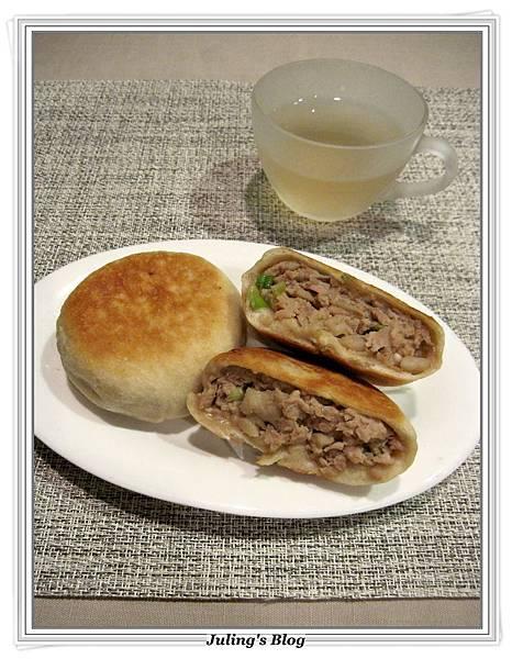 蓮藕豬肉餡餅3.JPG