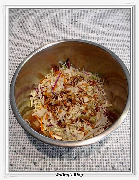 泡麵高麗菜沙拉做法6.JPG