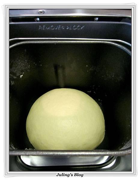 海苔肉鬆麵包捲做法3.JPG