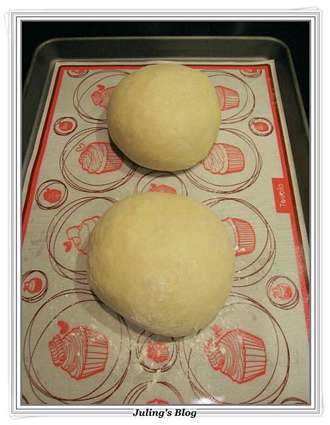 海苔肉鬆麵包捲做法6.JPG