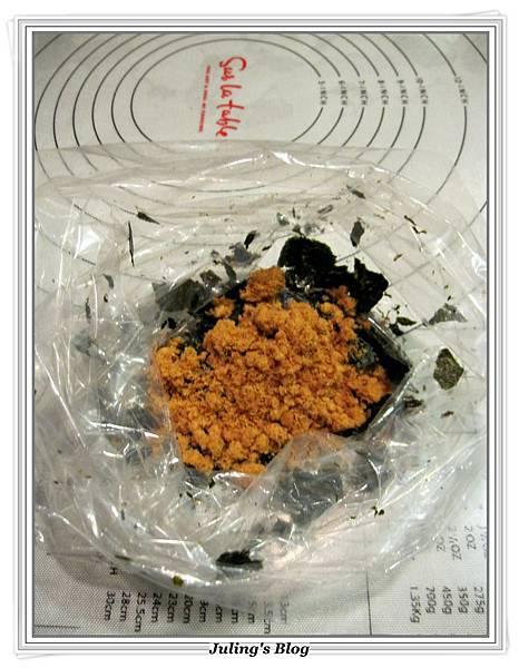 海苔肉鬆麵包捲做法7.JPG
