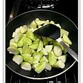 絲瓜燒豆腐做法6.JPG