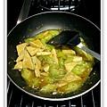 絲瓜燒豆腐做法11.JPG